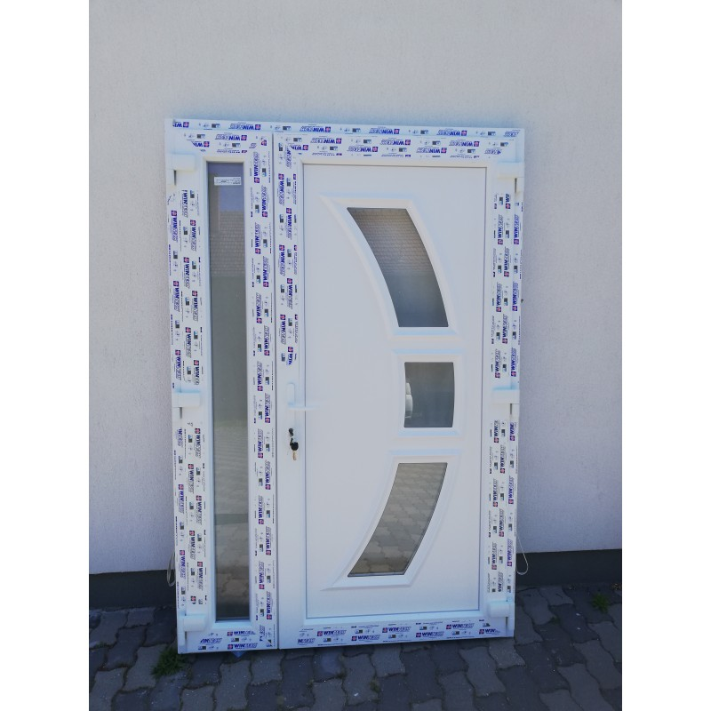 TRITON műanyag bejárati ajtó